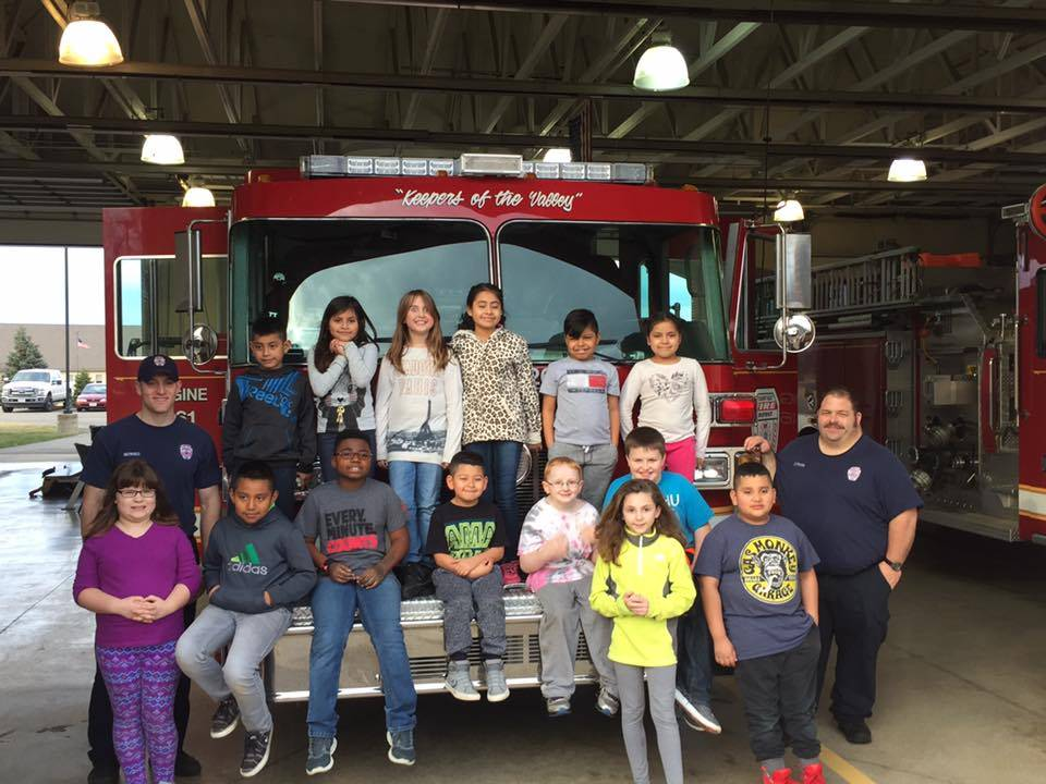 MES students at the firehouse